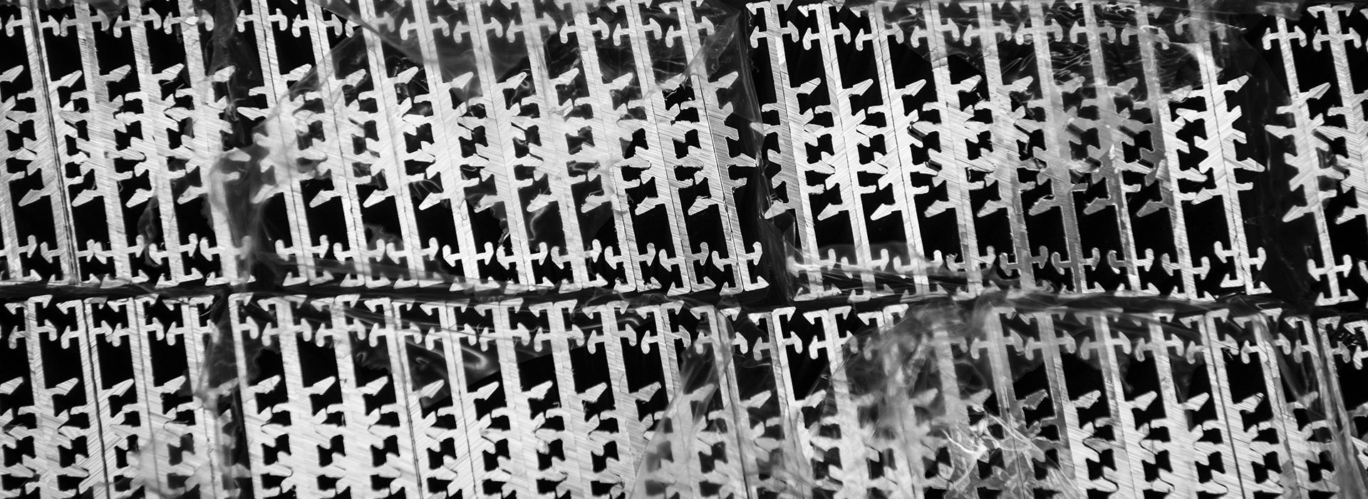 DSC1354slide-1920x700